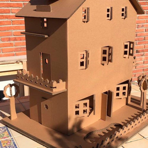 dollhouse from ezy2do.eu